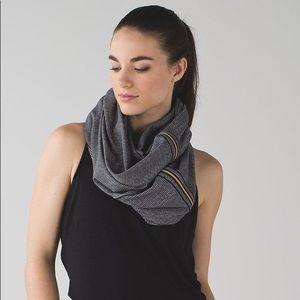 Lulu lemon Vinyasa infinity scarf